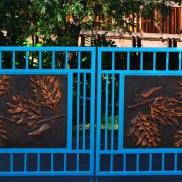 Large Breadfruit Gate